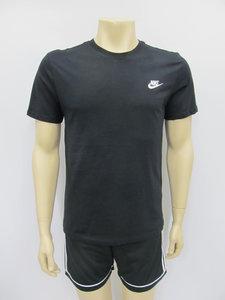 Nike sportswear t shirt zwart 827021011